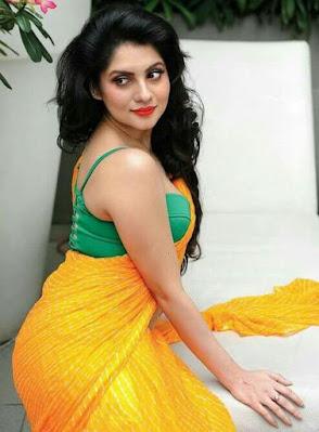 Fashion Trends in Shari   Beautiful Models