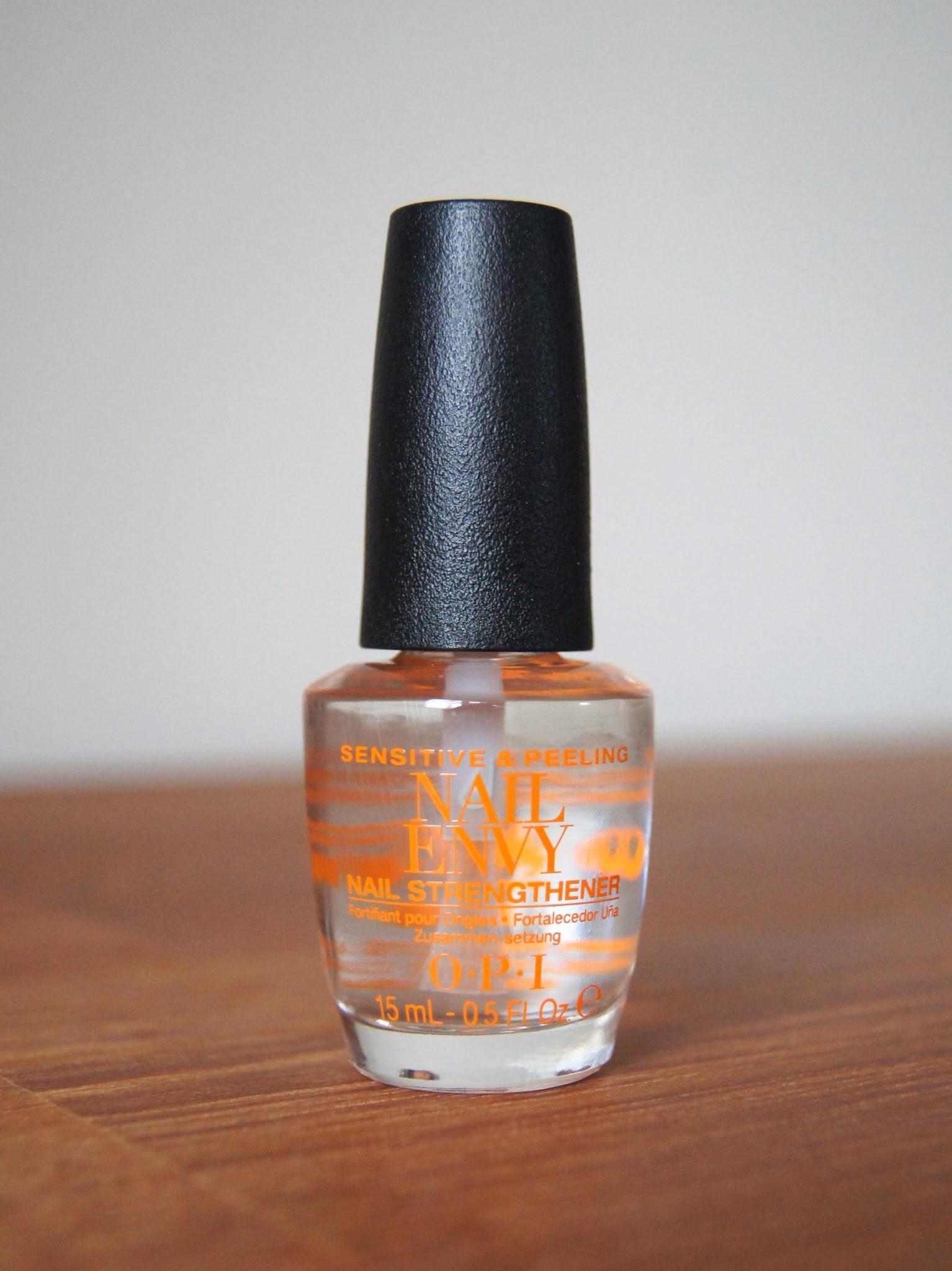 OPI Nail Envy Sensitive Peeling Nail Strengthener Review
