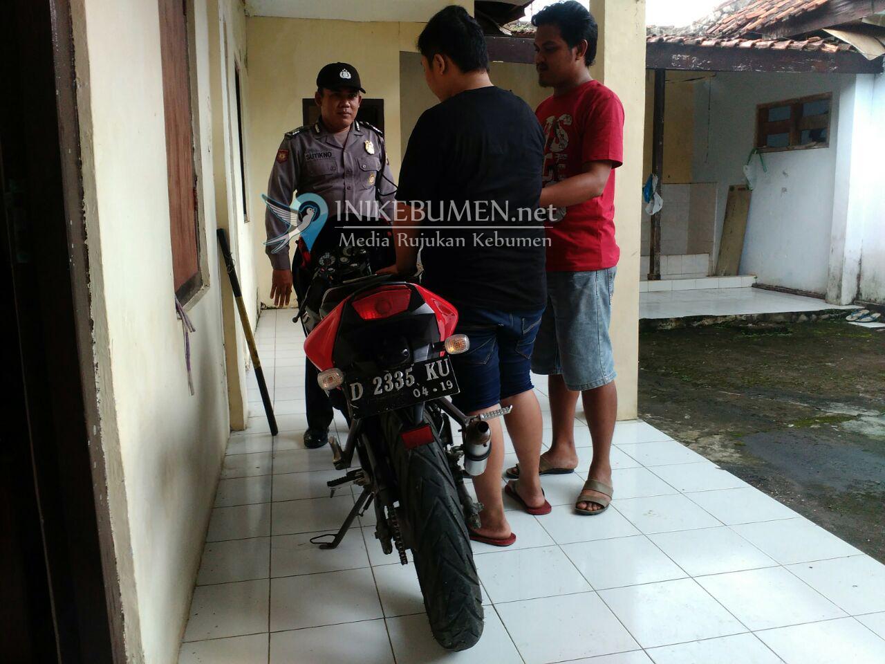 Bawa Kabur Ninja, Dua Pemuda Warga Rowokele Ditangkap Polisi