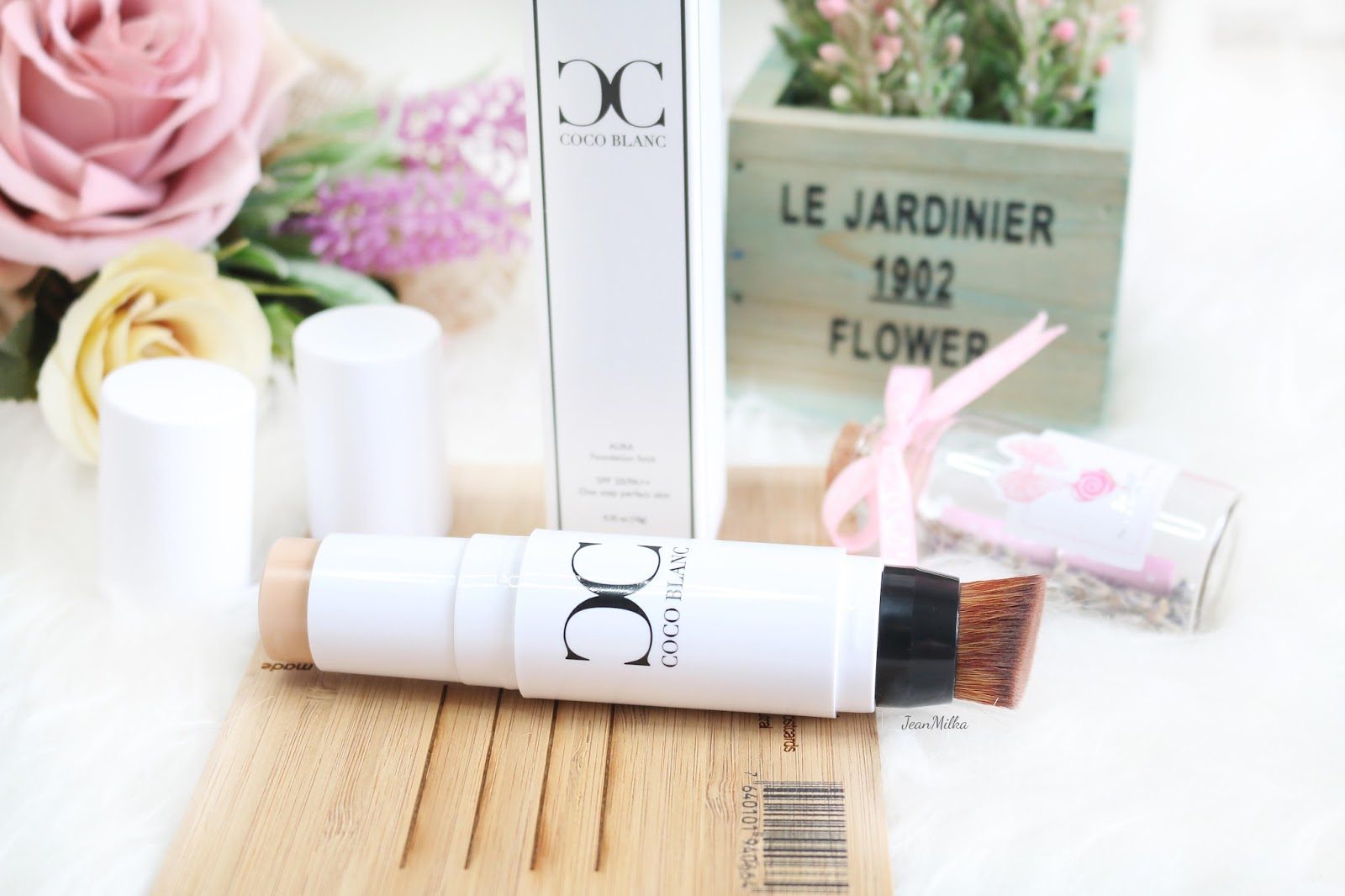 coco blanc, coco blanc stick foundation, stick foundation, korean, korean makeup, korean beauty, review, indonesia