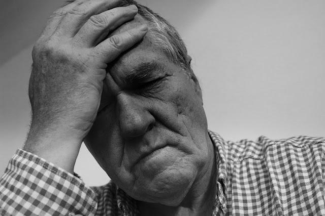 Imagen dolor de cabeza frontal