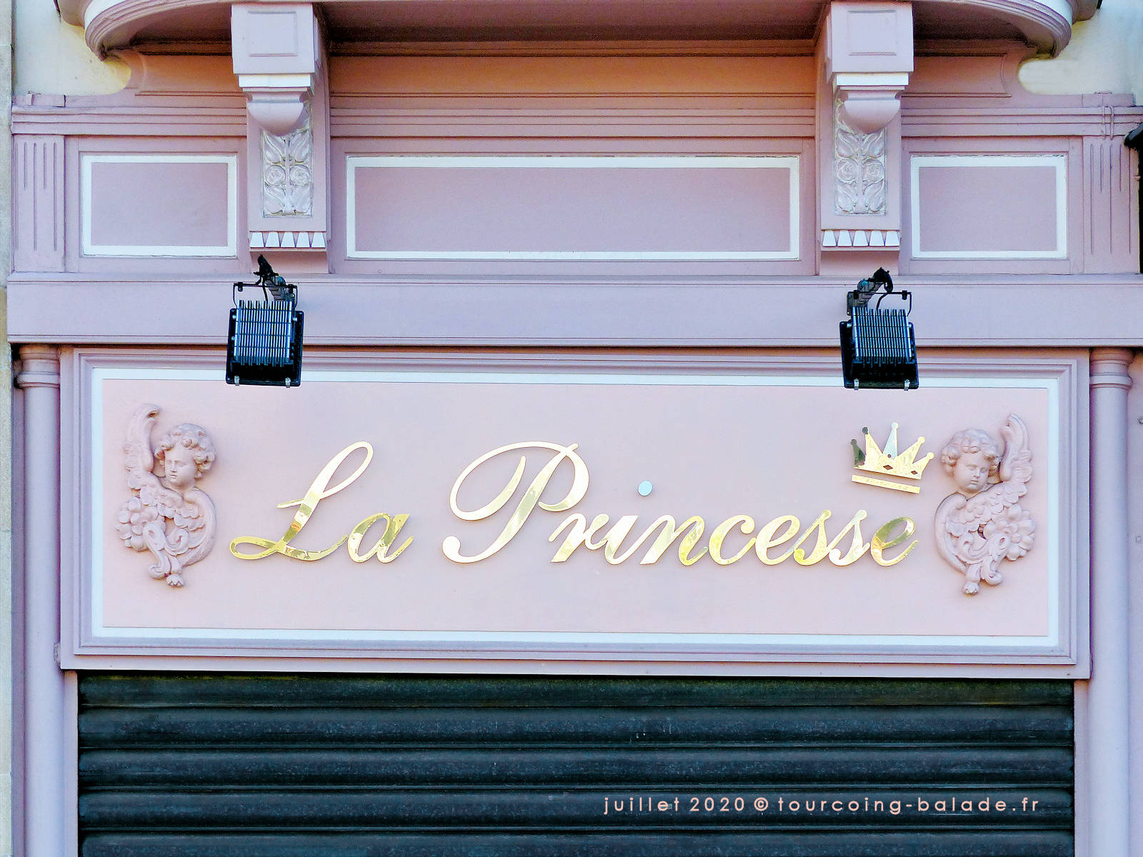 Enseigne La Princesse, Tourcoing Grand Place, 2020