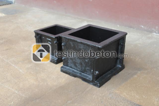 cetakan beton kubus hitam berkualitas tinggi