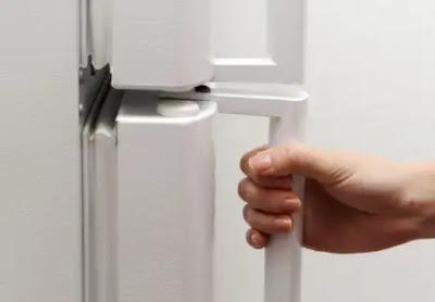 Memperbaiki karet pintu Kulkas yang Rusak