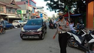 Bentuk Pelayanan Prima, Satlantas Polres Pelabuhan Makassar lakukan Pengaturan Lalin