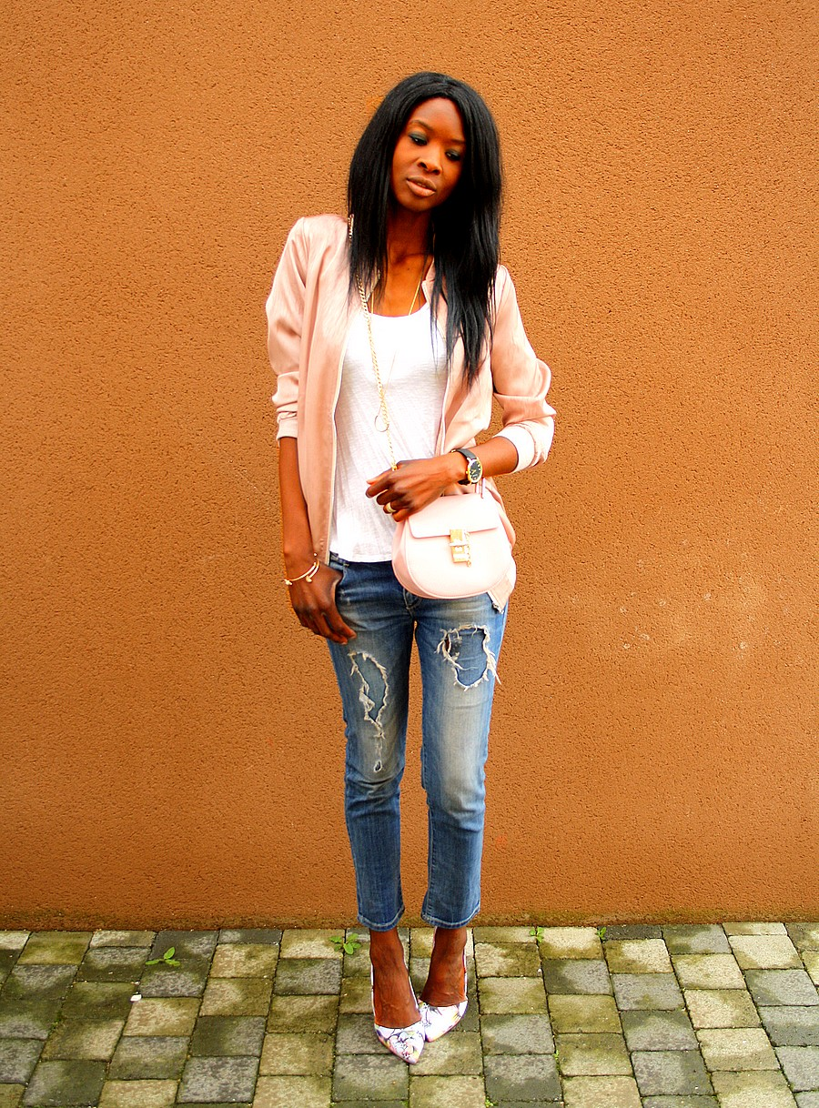 bombers-satin-rose-asos-sac-chloe-drew-ripped-jeans-escarpins-fleurs-blog-mode