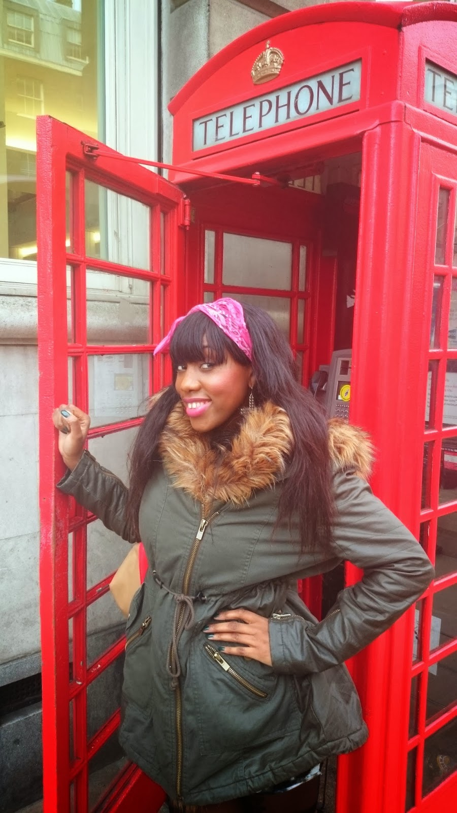 "<img src=""Londonredphonebox.jpg"" alt=""Redphoneboxlondon"" />"