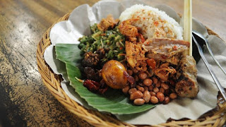 Nasi Campur Bali yang melegenda