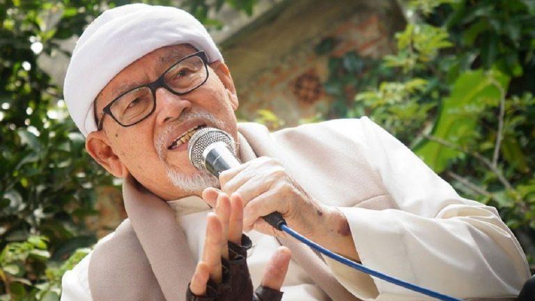 Mengenang Keteguhan Aqidah KH. Basori Alwi
