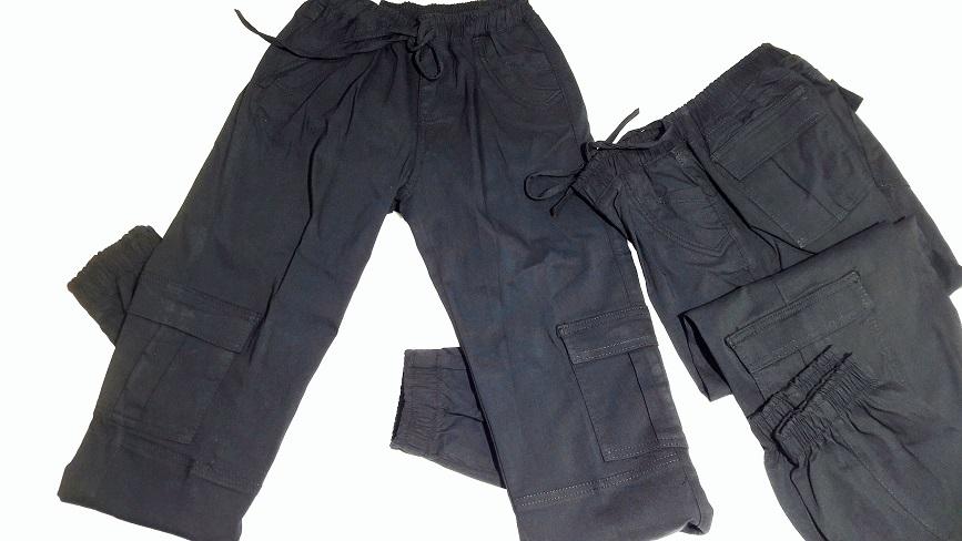 Pantalon Gabardina stretch, bolsas a los costados en Color Negro