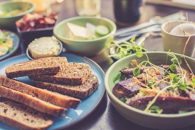 Makanan yang Disarankan Dikonsumsi Saat Perut Kosong