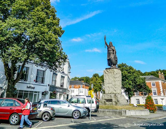 estátua de Alfredo, o Grande, em Winchester, Inglaterra