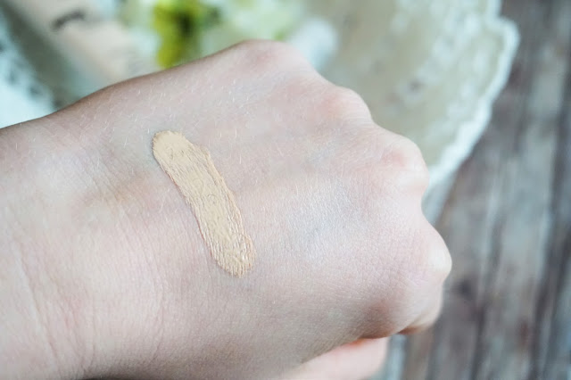 Nude Blend Foundation in 010 Ivory, Full Matte primer + top coat, Swatch
