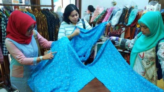 Memilih Jenis Kain Batik