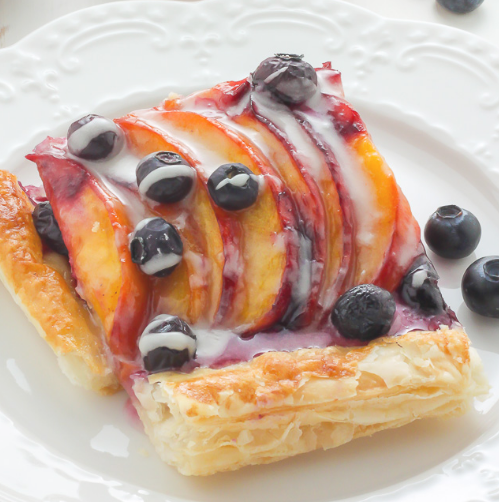 Easy Blueberry Peach Tart with Vanilla Glaze #dessertcake #delicious