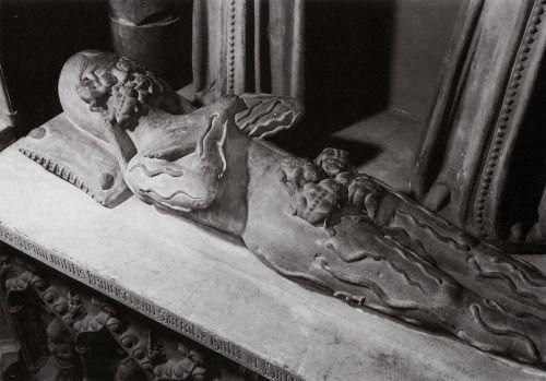 Transi de François I de la Sarrà