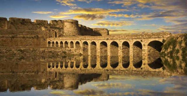 Δέκα Εντυπωσιακά Κάστρα Της Ελλάδας (Εικόνες)