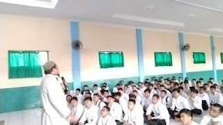 download artikel tulisan ayah kajian khutbah Visi misi  kesiswaan kurikulum BK wali kelas adab ilmu reorientasi