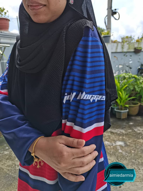 Suri Rumah Pun Pakai Jersi Terbaik Dari JRIG Gear