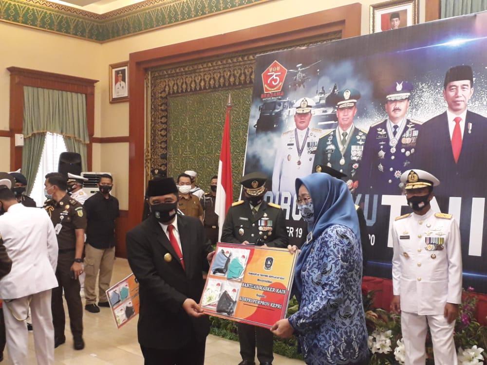 Peringatan HUT TNI ke 75, Pjs Gubernur Kepri Ucapkan Selamat