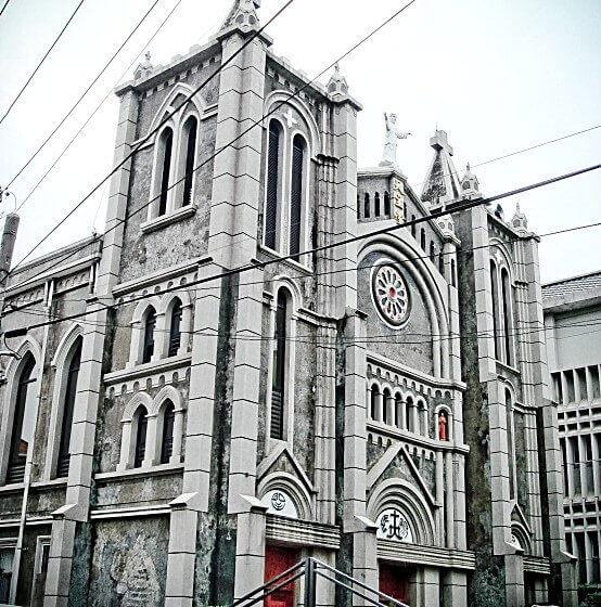 高雄旗山景點|聖若瑟教堂~雄偉的哥德式風格