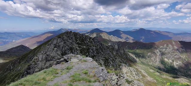 Vistas desde la cima del Pico Miravalles