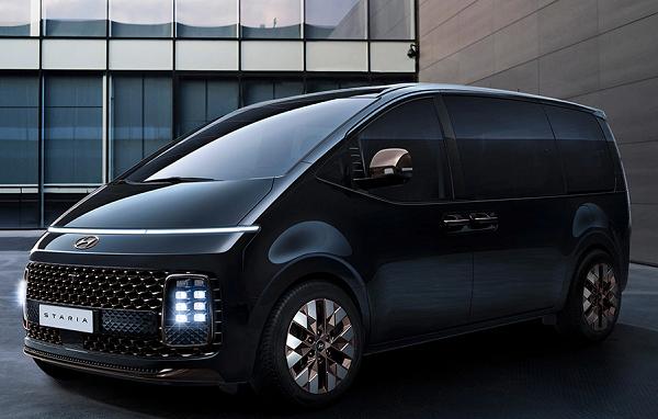 Hyundai Staria 2021 Diprediksi Kalahkan Toyota Avanza