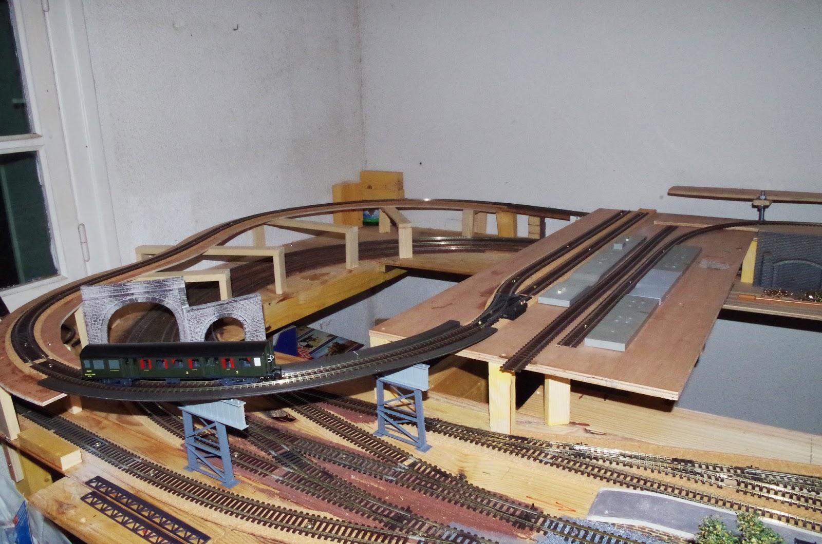 #906C3B LE PETIT TRAIN DE MICHELE: Une HISTOIRE D'AMITIE  6083 decoration de noel train electrique 1600x1060 px @ aertt.com