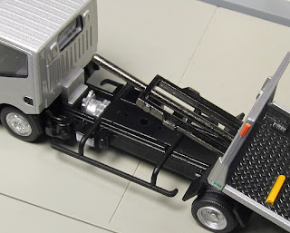 Tomica Limited Vintage NEO LV-N144b Nissan Atlas(F24) Hanamidai Auto Co. Safety Loader