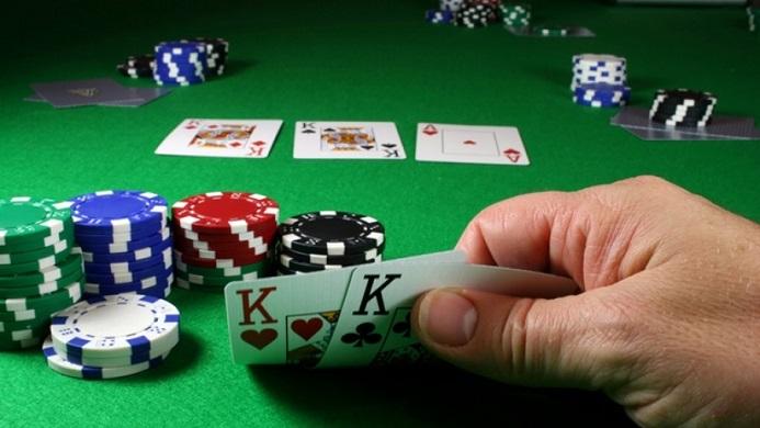 Ήπειρος:Η παρτίδα πόκερ ....και τα πρόστιμα  8.600 ευρώ....