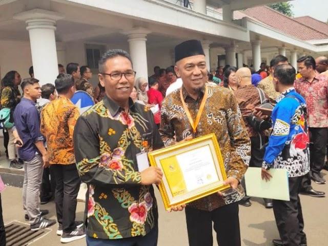 Sukses Bina UMKM, Gubernur Raih Penghargaan Dari Presiden