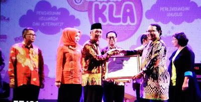 Bupati Pringsewu Raih Penghargaan Dari Kementerian Pemberdayaan Perempuan dan Perlindungan Anak RI