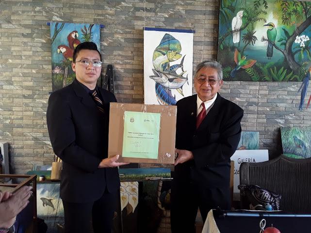 Presidente de la Casa de la Cultura de Ciudad Vieja  el poeta Pablo Bejarano