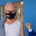 Prefeito Juca Dutra recebe 1ª dose da vacina contra covid-19