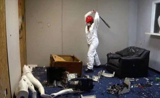 Ide Bisnis Anger Room - sewa tempat lampiaskan amarah