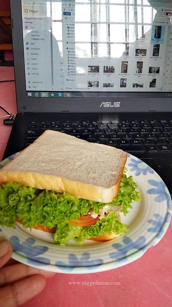 Resipi SANDWICH TUNA dan TELUR yang sangat sedap