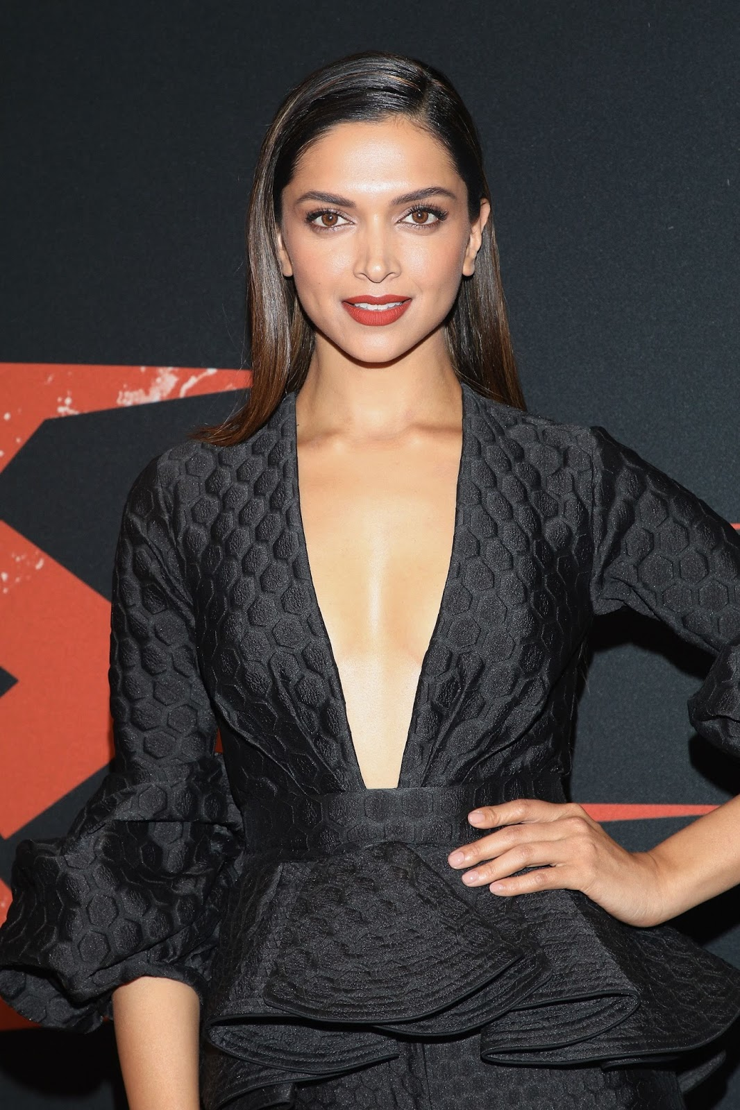 High Quality Bollywood Celebrity Pictures Deepika -4227