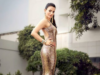 Ameesha Patel Bold
