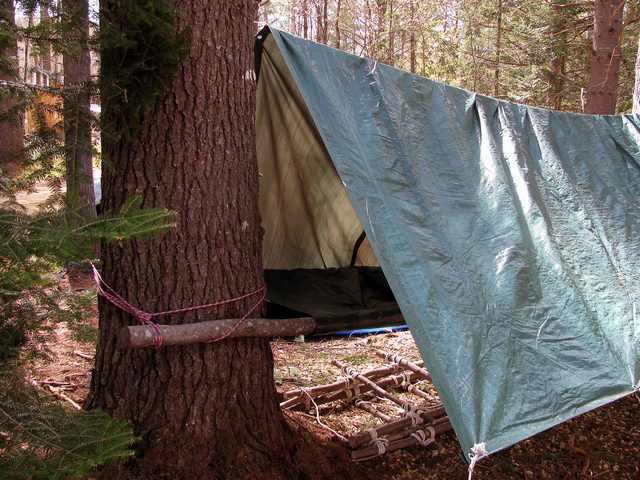 Tenda Bivak untuk tambahan tenda yang sudah ada, biasanya untuk pramuka