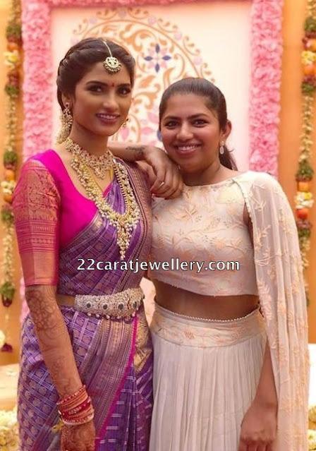 Nitin wife Shalini Guttapusalu Necklace