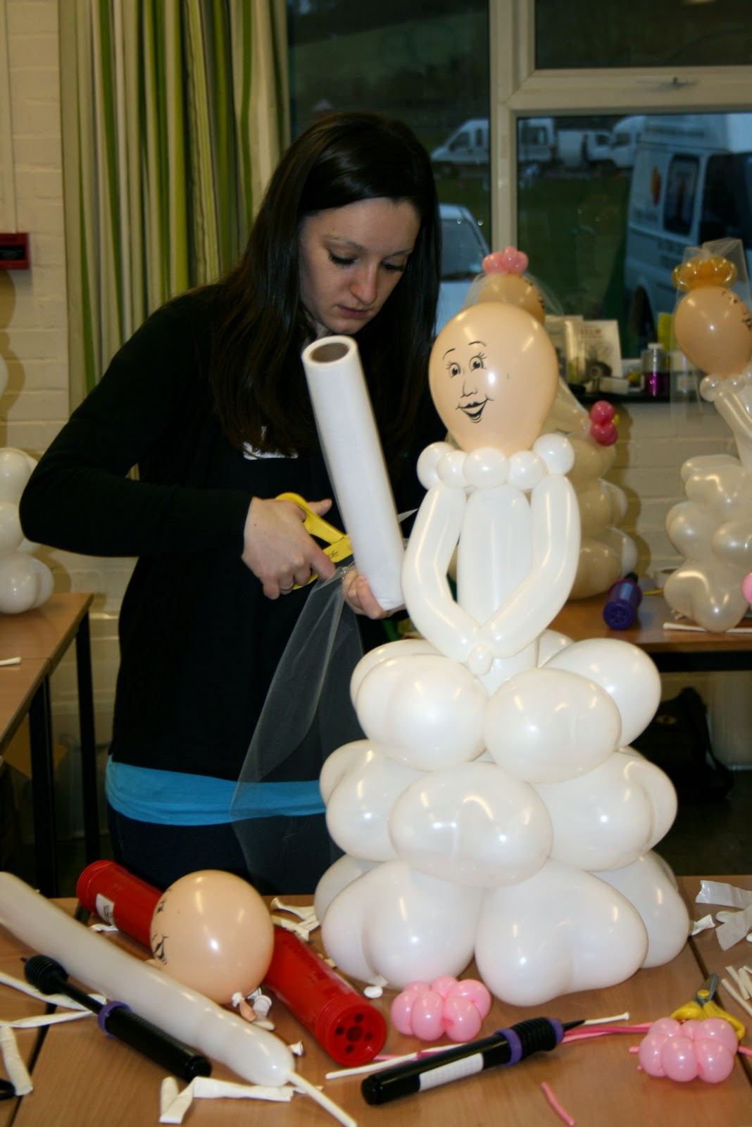The Very Best Balloon Blog Bride Amp Groom Balloon Sculpture Recipe
