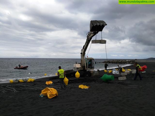 El Ayuntamiento de Santa Cruz de La Palma acomete el balizamiento de la playa para la práctica de deportes náuticos