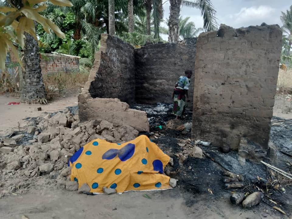Sad news!! Local Govt Casual Staff Sets Himself Ablaze In Benue State Over Non-Payment Of 3 Years Allowance #hypebenue