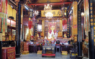 Barrio Indio o Little India, Singapur. Templo de la Puerta del Dragón de la Montaña o Leong San See Temple.