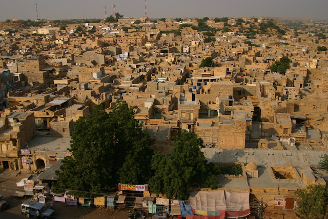 yellow sandstone jaisalmer city, houses, village www.azexplained.com