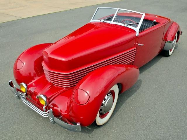 Cord 810 1930s American classic car