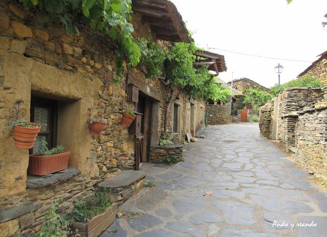 Roblelacasa, casas de pizarra, pueblos de Arquitectura Negra en Guadalajara