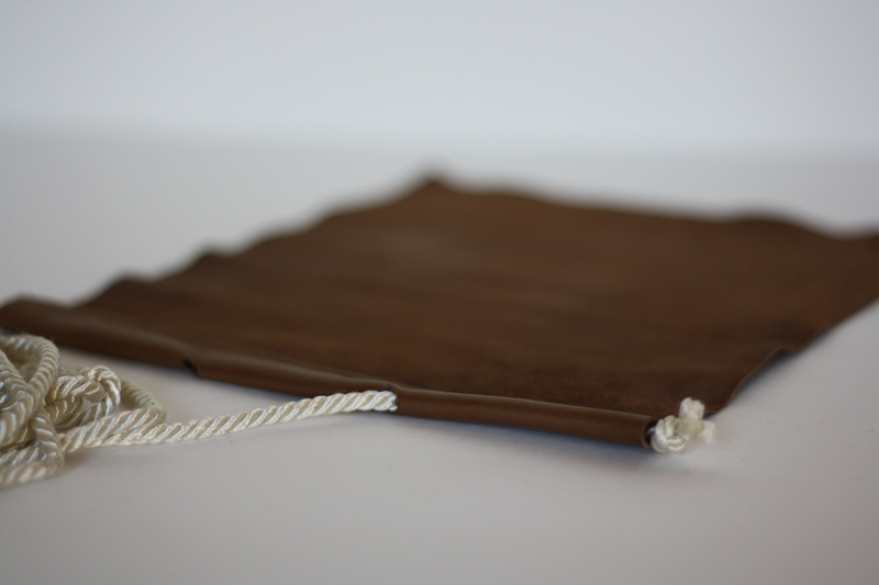 Очень удобная форма предлагаемой сумки позволяет использовать ее для самых различных целей: и в качестве...