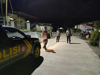 Personel Polsek Malua Polres Enrekang Gencar Melaksanakan Patroli Blue Light Antisipasi Tindakan Kriminal Pada Malam Hari