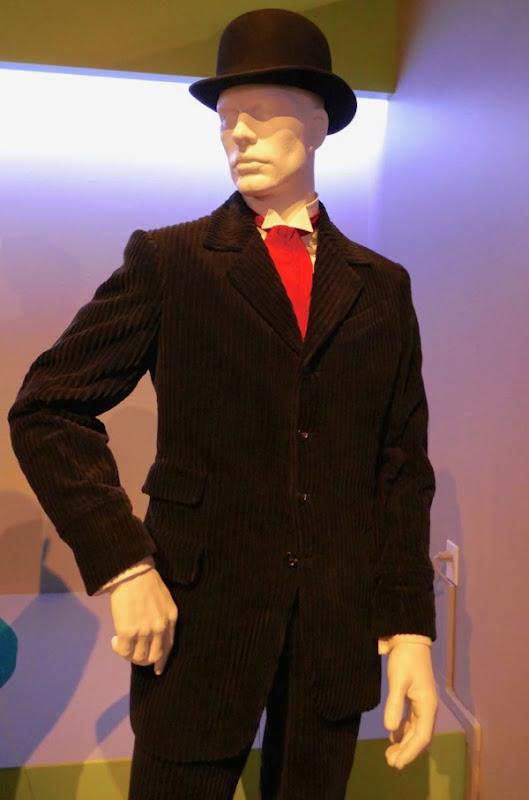 Genius Young Pablo Picasso corduroy suit